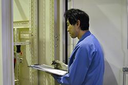 品質管理リーダー03|配電盤・制御盤・分電盤・計装盤製品の製作・製造を設計、板金、配電組立、検査まで一貫生産のヤマカワ電機