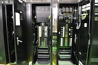 品質管理部門02|配電盤・制御盤・分電盤・計装盤製品の製作・製造を設計、板金、配電組立、検査まで一貫生産のヤマカワ電機