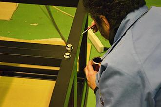 品質管理部門04|配電盤・制御盤・分電盤・計装盤製品の製作・製造を設計、板金、配電組立、検査まで一貫生産のヤマカワ電機