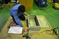 納期を意識した充実の機械設備と、信頼性ある管理・検査 配電盤・制御盤・分電盤・計装盤製品の製作・製造を設計、板金、配電組立、検査まで一貫生産のヤマカワ電機