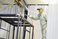 塗装工場とは|配電盤・制御盤・分電盤・計装盤製品の製作・製造を設計、板金、配電組立、検査まで一貫生産のヤマカワ電機