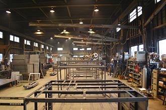 製函工場02|配電盤・制御盤・分電盤・計装盤製品の製作・製造を設計、板金、配電組立、検査まで一貫生産のヤマカワ電機